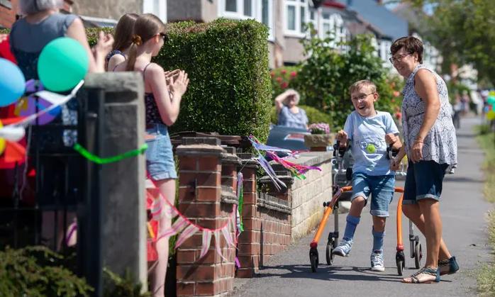 Tobias Weller completes his marathon challange raising over £60000